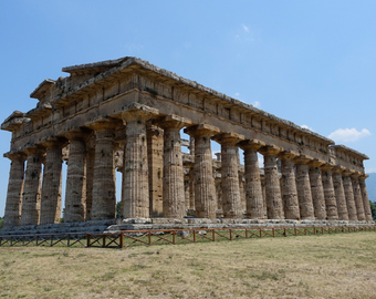 Featured_paestum_greek_temple_to_hera_and_poseidon