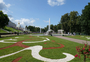 Square_review-peterhof-russia-palace_and_formal_gardens
