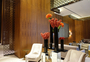 Square_four_seasons_toronto_review-flowers_by_jeff_leatham_in_lobby