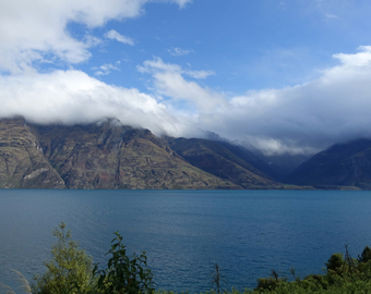 Featured_6_reasons_i_love_new_zealand-stunning_scenery-glenorchy_near_queenstown