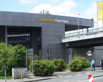 Featured_lufthansa_first_class_terminal_review-separate_building