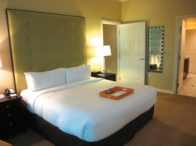 The Signature at MGM Grand Review - 1 Bedroom Suite Master Bedroom