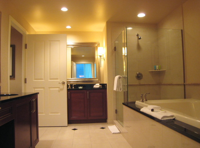 One Bedroom Suite Master Bathroom  The Signature. The Signature at MGM Grand Review  Las Vegas   TravelSort