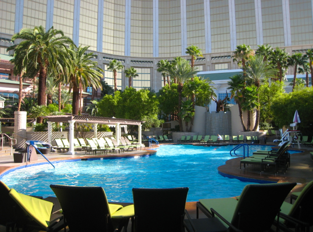 Review: Four Seasons Las Vegas - Outdoor Pool