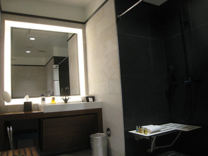 AMEX Centurion Lounge Las Vegas Review - Shower Suite