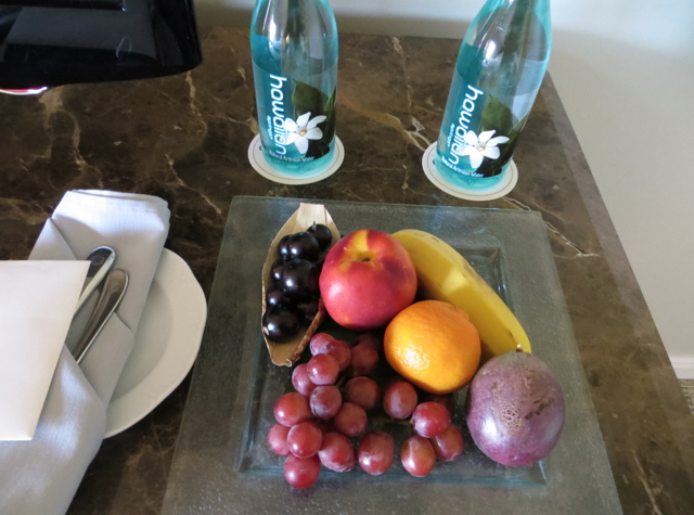 Fairmont Orchid Hawaii Review - Fruit Welcome Amenity