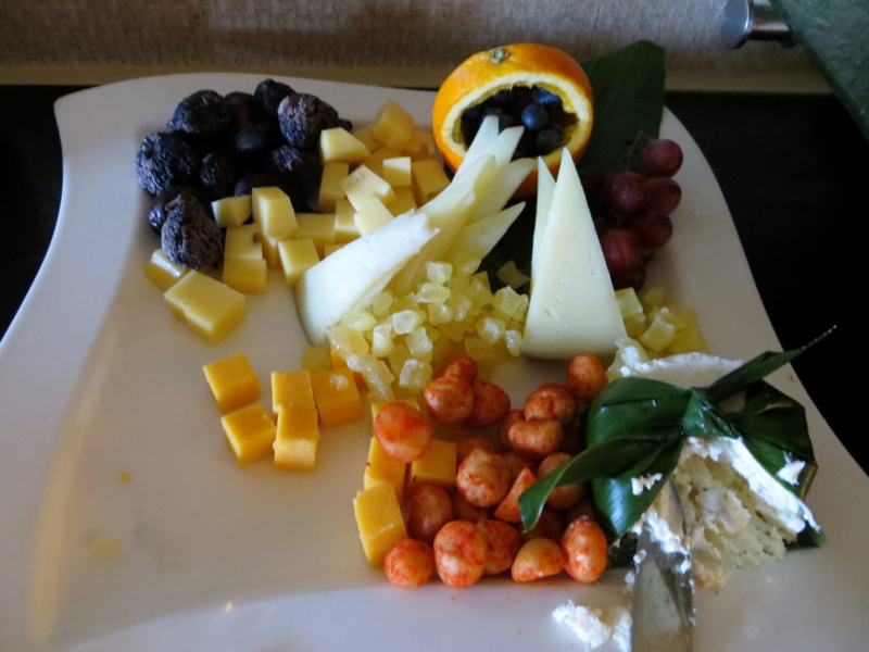 Cheese Plate, Fairmont Orchid Gold Floor Lounge Review