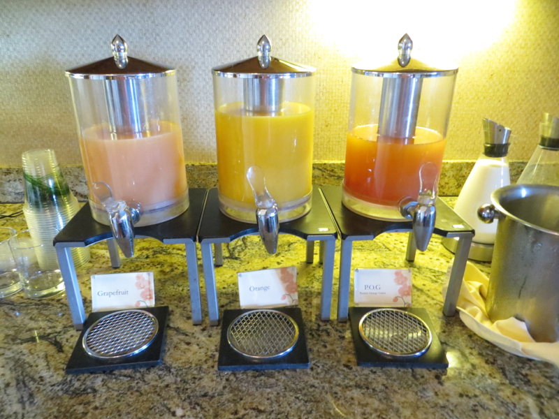 Breakfast Juices, Fairmont Orchid Gold Floor Lounge Review
