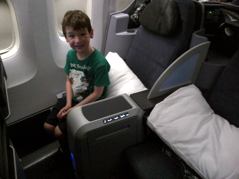 United First Class Review 767-400ER - Ready to Take Off