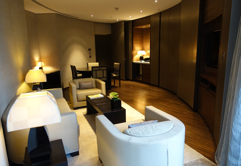 Armani Hotel Dubai Photos and Virtuoso Client Review - Armani Classic Room Living Room