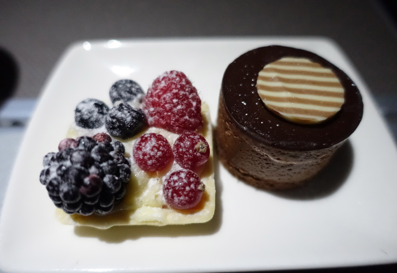 Cathay Pacific Business Class Review A330-Dessert
