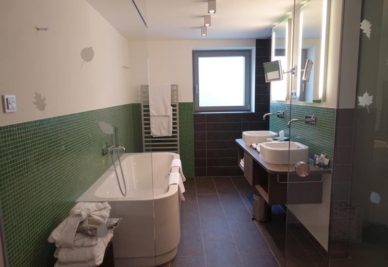 Premium Room Bathroom, Hotel Traube Tonbach