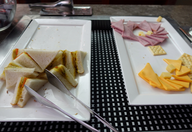 Review-Asiana Business Class Lounge Seoul - Sandwiches, Ham and Cheese