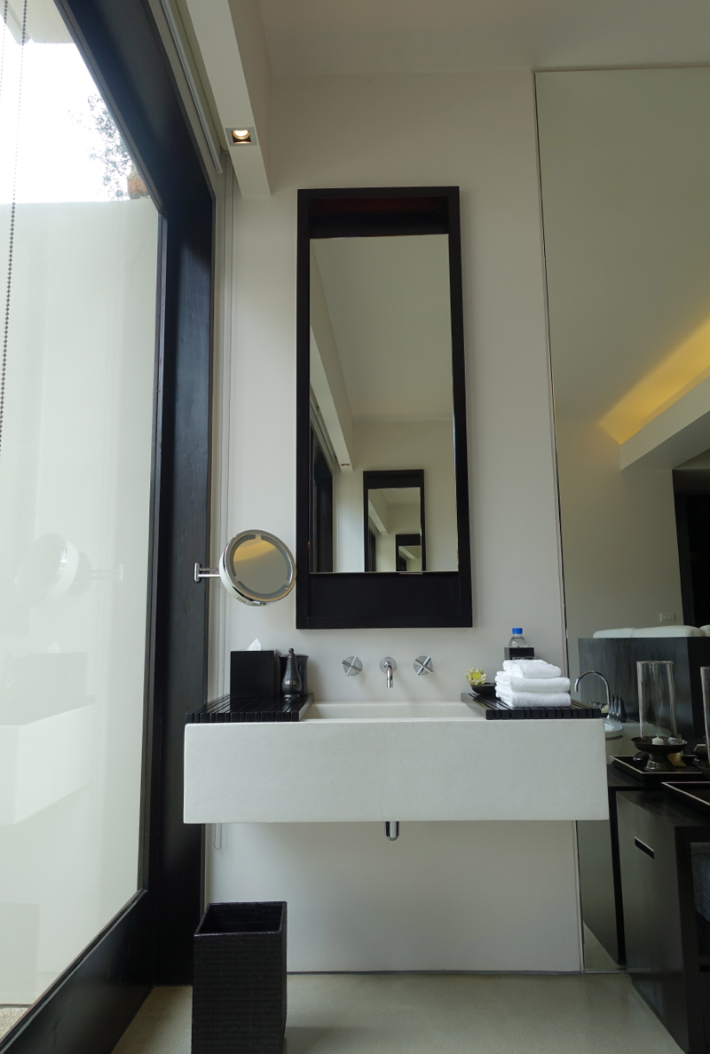 Amansara Pool Suite - Vanity and Sink
