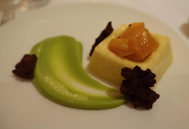 Amansara Dessert: Vanilla Bean Cheesecake with Pandan Sauce