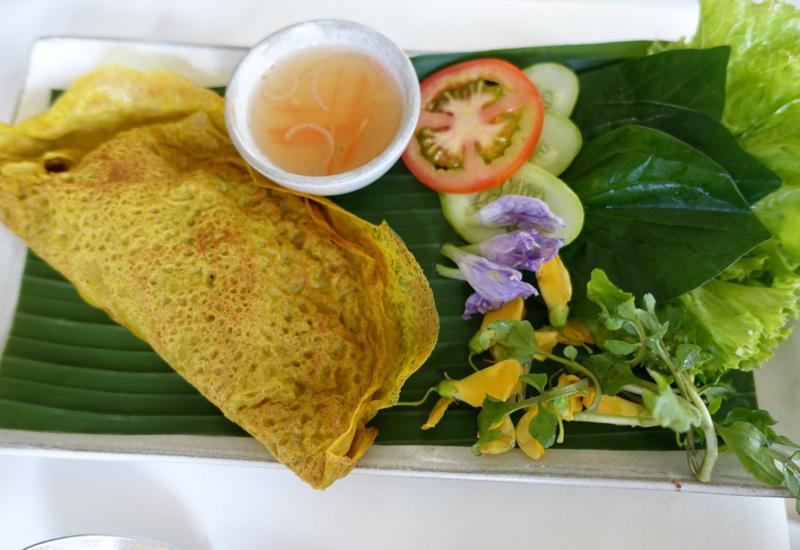 Ban Chao (Stuffed Egg Crepe), Amansara Lunch