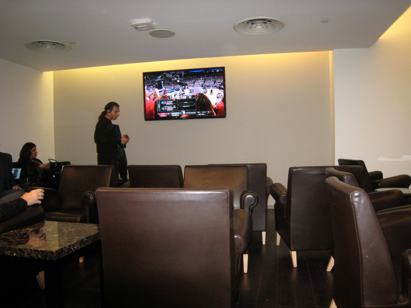 Review-Wingtips Lounge JFK Airport-Seating