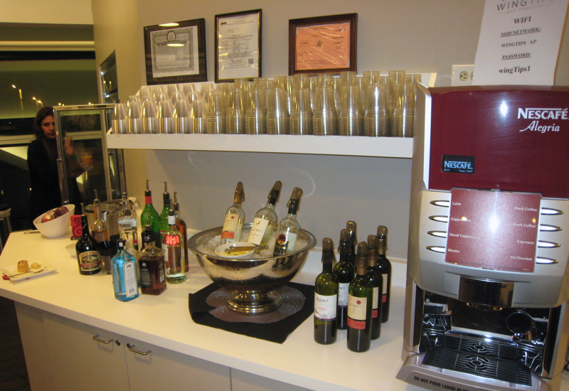 Wingtips Lounge JFK Review-Alcohol-Wines, Spirits and Espresso Machine