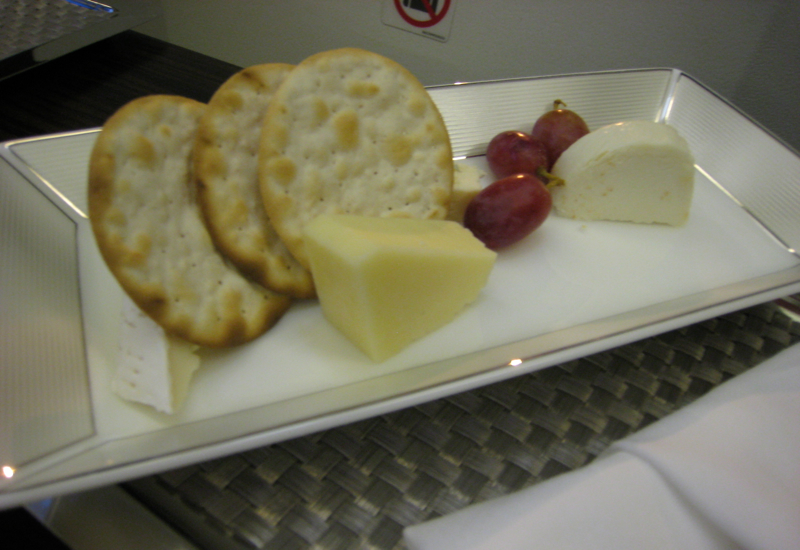 Review-Etihad First Class 777-300ER - Cheese Plate
