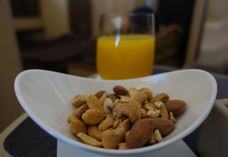 Review-Etihad Business Class A330-200: Mixed Nuts and Orange Juice