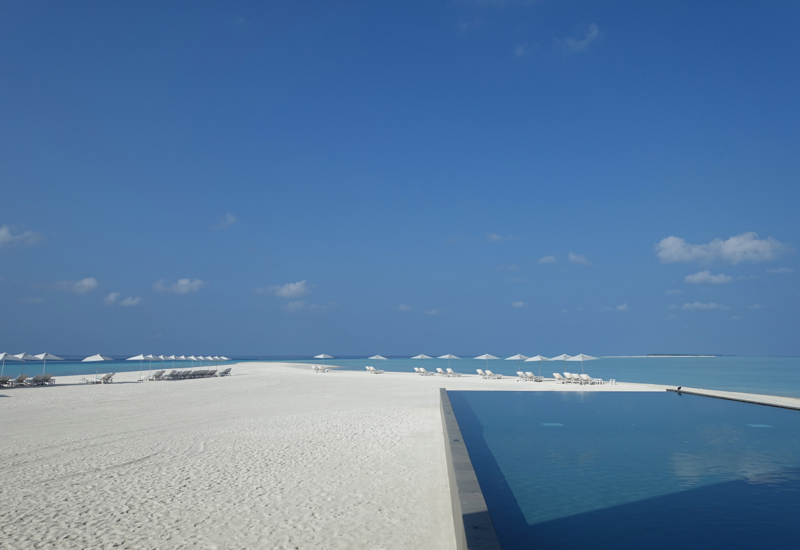 View from Blu Restaurant of Blu Pool and Beach, Four Seasons Landaa Giraavaru