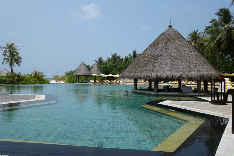 Four Seasons Kuda Huraa Review: Main Swimming Pool