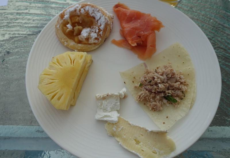 Breakfast at Vilu Restaurant, Conrad Maldives