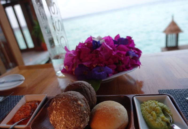 Bread and Dips, Mandhoo Restaurant, Conrad Maldives