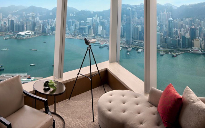 Ritz-Carlton Hong Kong: 3rd Night Free + Virtuoso Benefits