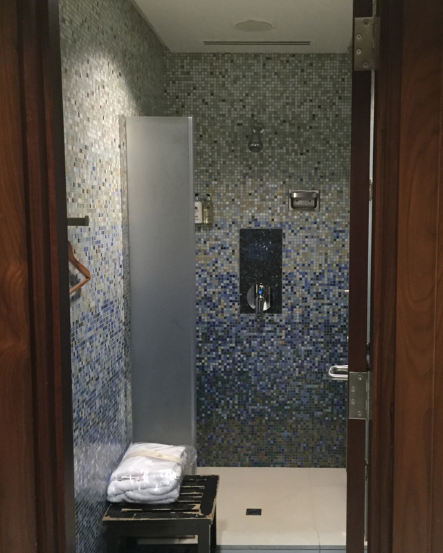 Emirates First Class Lounge Dubai Review-Shower Suite