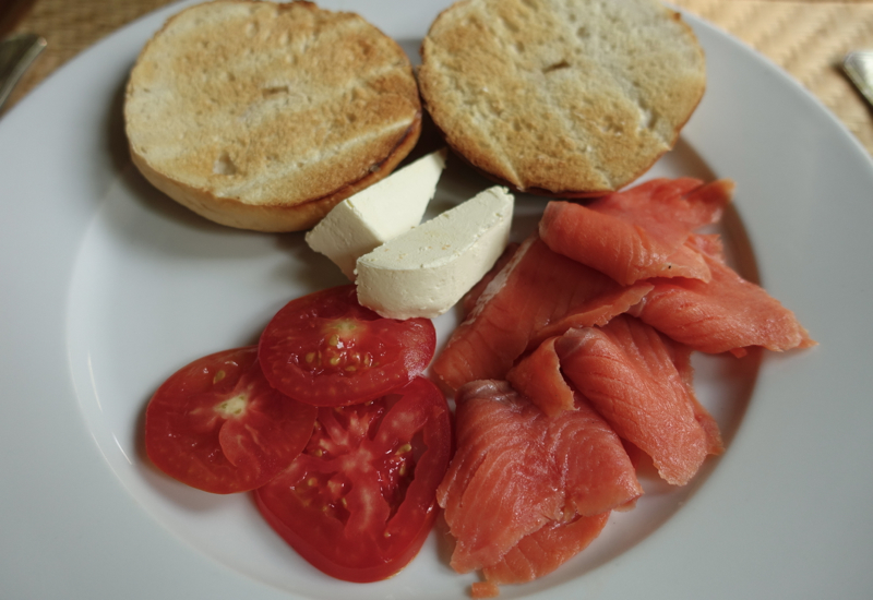 Amantaka Restaurant Review-Bagel with Smoked Salmon for Breakfast