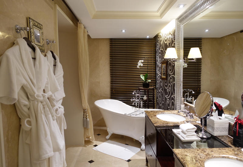 Grand Premium Bathroom with Clawfoot Tub, Sofitel Metropole Hanoi