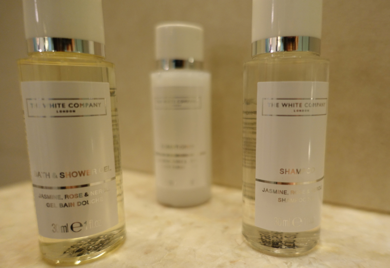Review-Crowne Plaza Singapore Changi Airport-White Company Bath Products