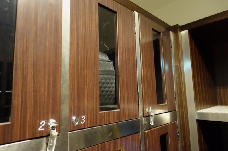 Review-JAL First Class Lounge Tokyo Narita-Lockers