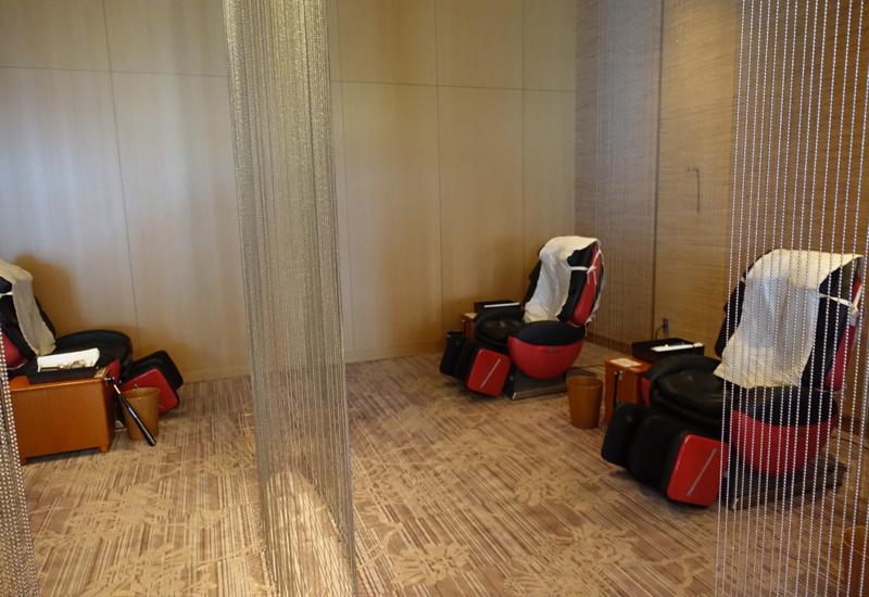 Massage Chairs, JAL Sakura Lounge Tokyo Narita
