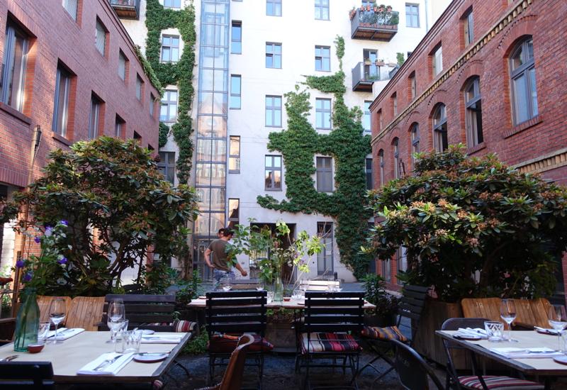 Review-Katz Orange Berlin Restaurant-Courtyard Seating