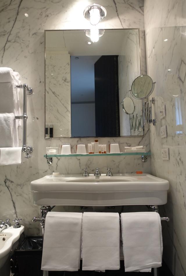 Review: Portrait Roma Junior Suite Bathroom