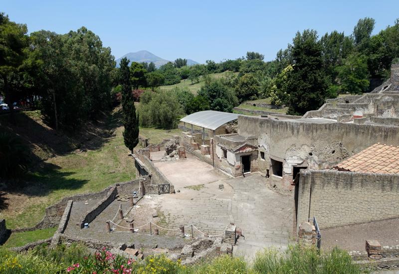 Pompeii Review: Pompeii was a Port City