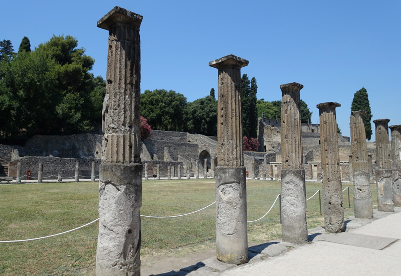 Pompeii Review: Gladiators' Gym