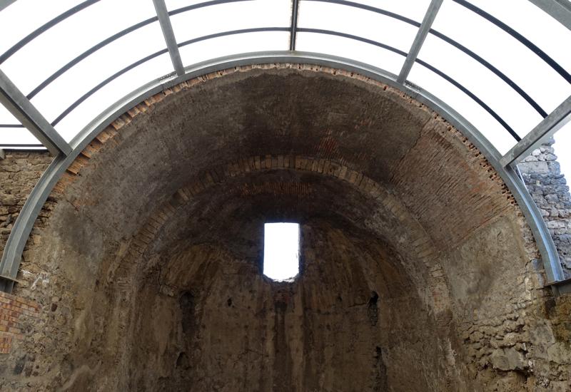 Pompeii Review: Calderium Arched Ceiling