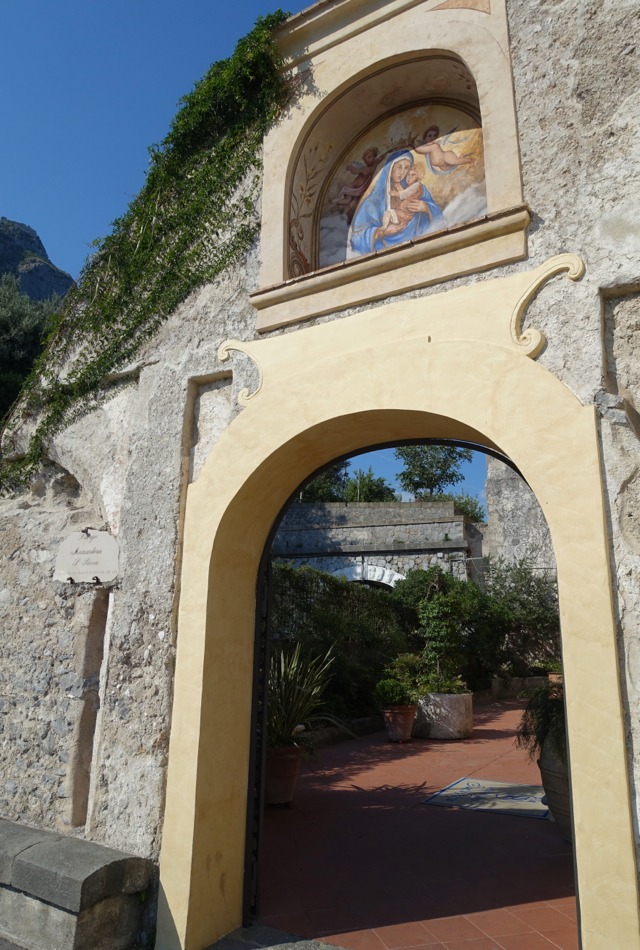 Review-Monastero Rosa Hotel & Spa-Entrance