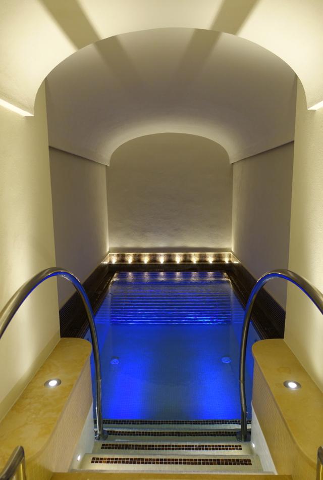 Review-Monastero Santa Rosa Spa Hydro Pool