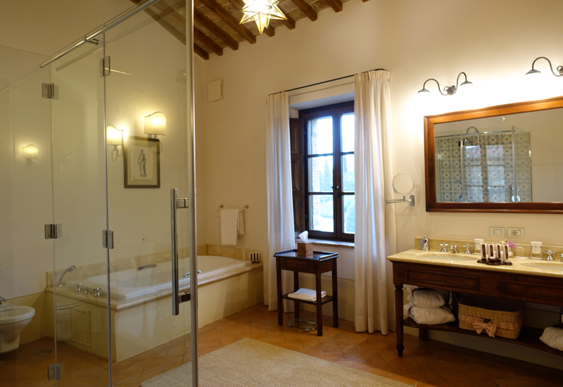 Review-Castello Banfi Il Borgo-Double Room Riserva Bathroom