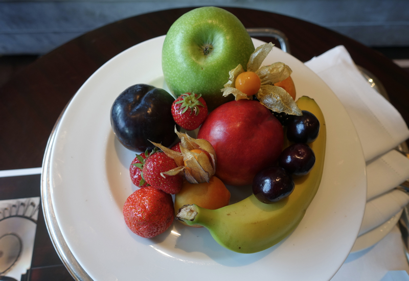 Review-Portrait Firenze Hotel: Fresh Fruit Welcome Amenity