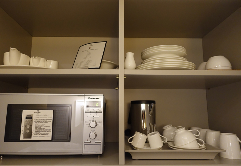 Dishes and Microwave, Portrait Firenze Suite Kitchenette