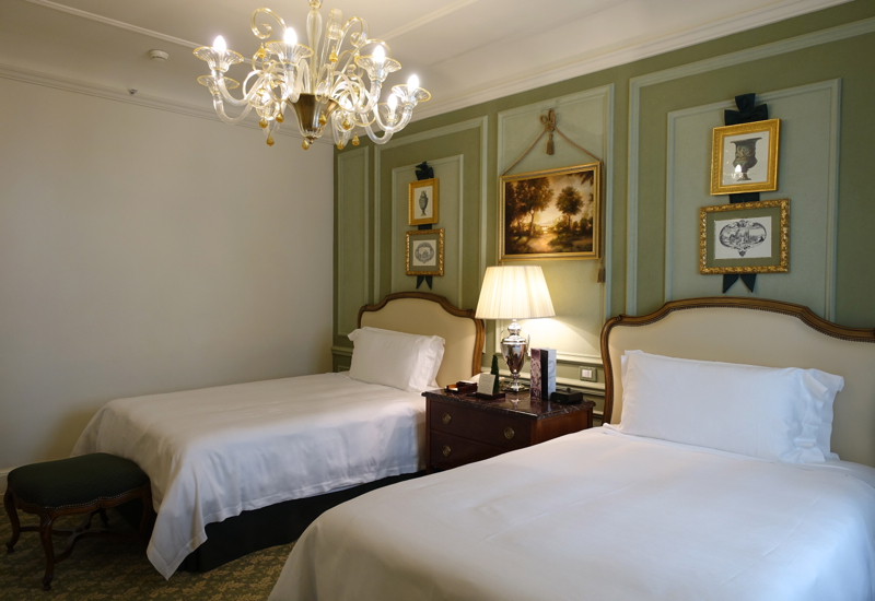 Junior Suite Bedroom, Four Seasons Firenze Florence Review