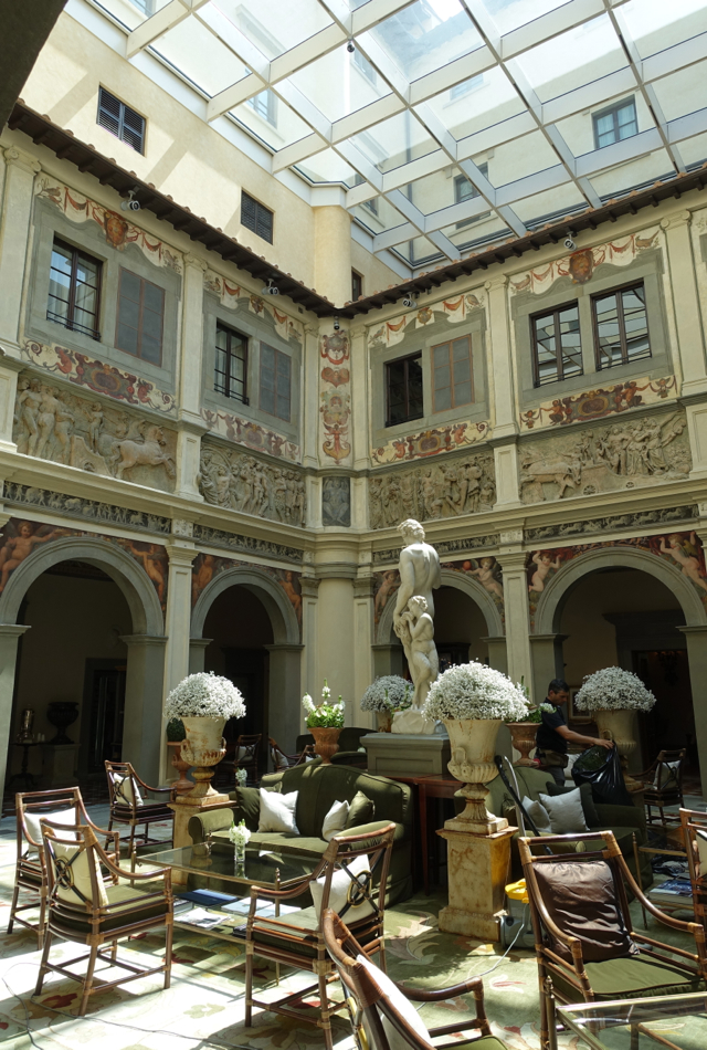 Review-Four Seasons Firenze Florence-Lobby Courtyard Atrium