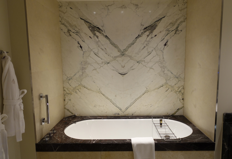 Review: Four Seasons Moscow Premier Room Soaking Tub