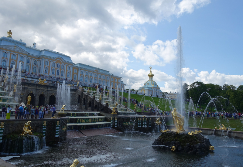 Review-Peterhof Samson Fountain and Grand Cascade