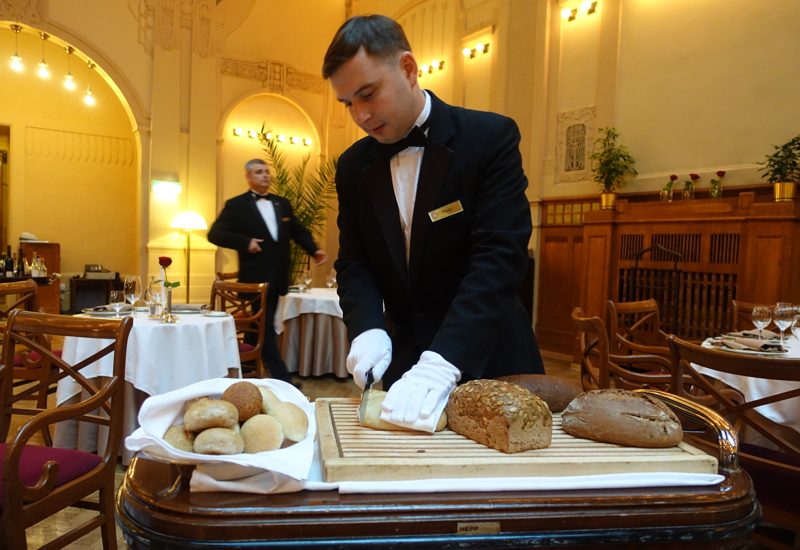 Bread Cart, L'Europe Restaurant Review, Grand Hotel Europe